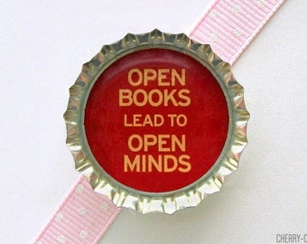 Reading Bottle Cap Magnet - book lover gift, for book lover, book club gift, for writers, book magnets, librarian gift, for librarian, favor