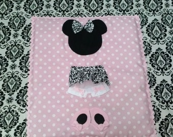Minnie Mouse crib/toddler quilt