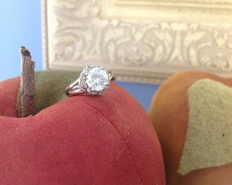 Ornate Cubic Zironia Ring in Silver Setting