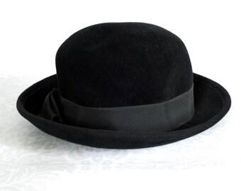 Vintage Black Bowling Derby Hat Macys England /  50s Black Felt Derby / Felt Bowling Derby with Wide Satin Faille Ribbon