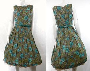 1960s Vintage Sundress Gorgeous Cotton Print Full Skirt