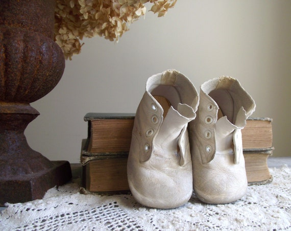 Vintage Baby Booties Mrs Day S Ideal Baby Shoe Company