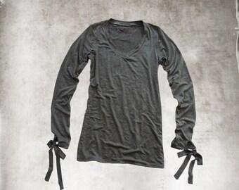 Women top gray dark heather thumb hole long sleeve