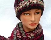 BEAUTIFUL winter set. Hat and scarf. Colors: cranberry red, hunter green, light green.  Fringe. Crochet. Bulky yarn. Handcrafted. Muffler.
