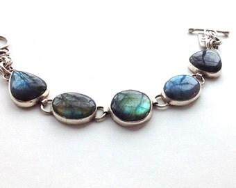Bezel Set Blue flash labradorite and sterling silver bracelet. fine jewelry,  labradorite jewelry, bohemian jewelry, river labradorite