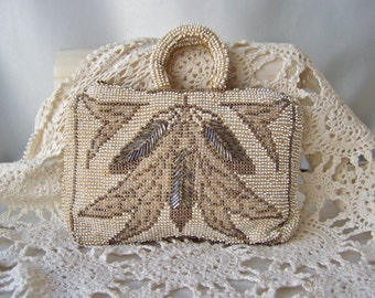 Vintage  Cream Color Beaded Purse Small Beaded Bag Czechoslovakia Zipper Closure Beaded Handle Coin Purse Vintage 1960s