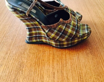 InCReDiBLe vintage PRADA SkY HiGH platform wedges 36/6