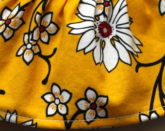 Japanese Daisies Fabric Cuff- Fancy Ruffled Rubber Gloves - Cleaning Gloves - Dishwashing Gloves