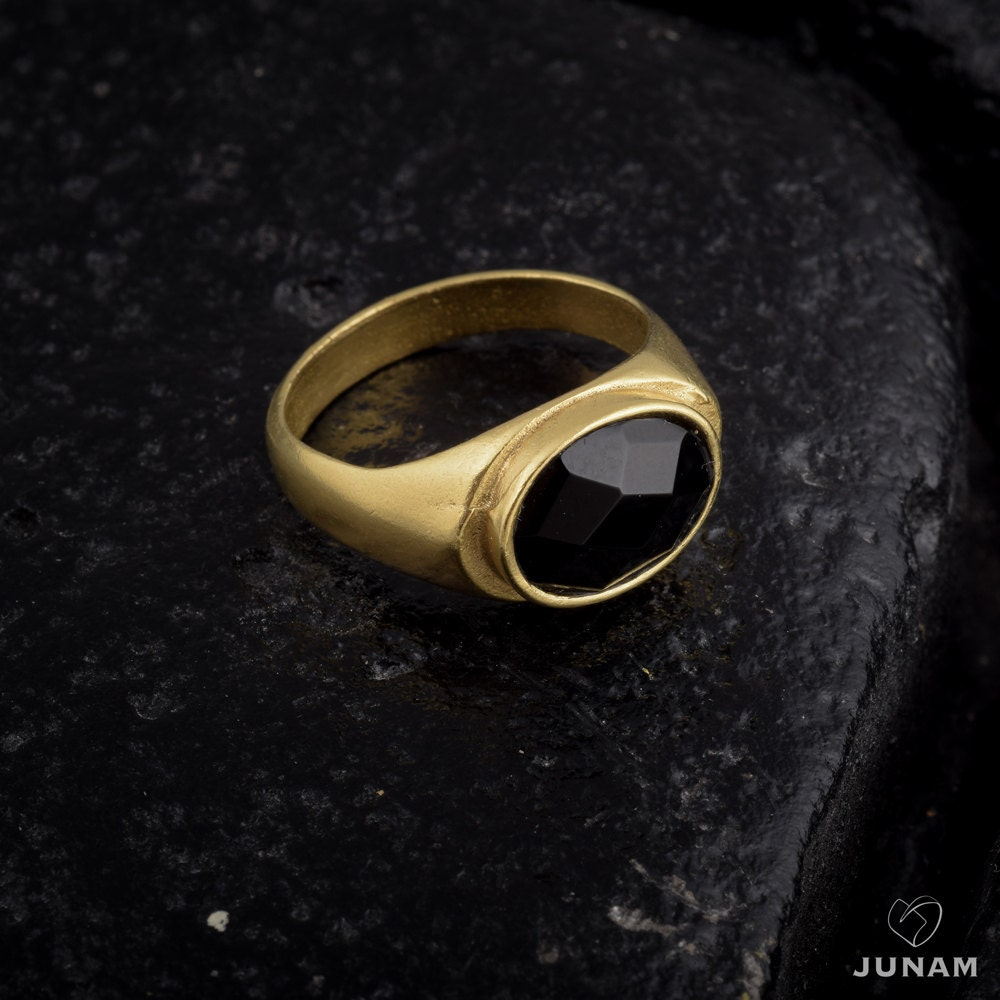 black stone gold ring - photo #42