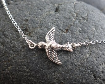 Dove Necklace, bird necklace,Mother's Day Gifts, silver bird, mother bird, songbird pendant necklace, songbird charm necklace
