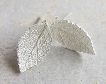1 pair of 925 Sterling Silver Leaf  Stud Earrings  9.5x16.5mm.  :er0698