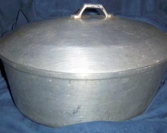 Vintage Aluminum Roaster With Lid for Pot Roast, Turkey, or Soups
