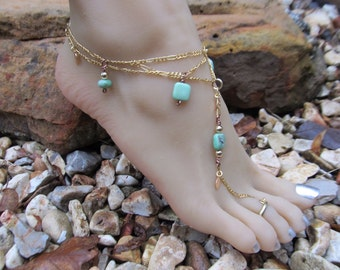 Boho Shoeless Sandal Anklet and Toe Ring in Turquoise and Gold Filled Chain Ankle Bracelet. Adjustable up to 10 1/2 inches.