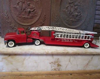 """Vintage 1950s, """"Structo Fire Engine Ladder Truck, with ladders!"""