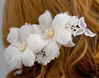 Lace Bridal Headpiece, Winter Wedding Headpiece, Lace Wedding Hairpiece, Bridal Hairpiece, Lace Bridal Flower Comb, Fall Wedding Flower Comb