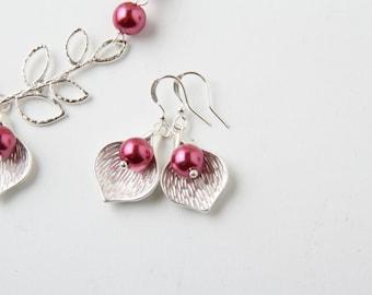 calla lily earrings, bride dangles earrings, wedding jewelry, pink, pearl, flower earrings, bridesmaid gift, calla lily jewelry, flower girl