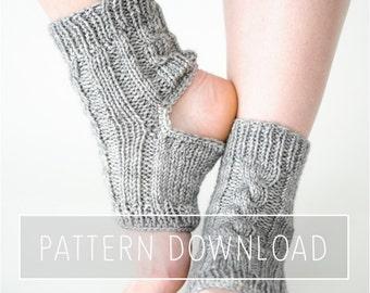 KNITTING PATTERNS // Yoga Socks // Yoga Sock Pattern // Knit Yoga Socks // Toeless Socks // Socks // Knit Socks