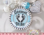GRANDMA TO BE keychain, Pregnancy Announcement Key ring, New Baby Announcement, Expecting gift, Mom to be Gifts, Baby shower favors