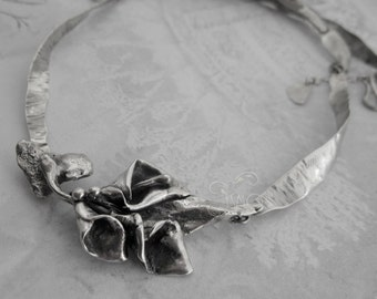 Hanfabricated Calla Lily Sterling Silver Necklace - Arum II