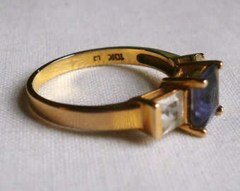 10 K Yellow Gold Ring-Size 7