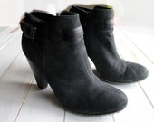 SIZE 10 M Modern EURO Soft by Sofft Black Leather Ankle Grungy Booties