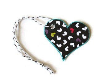 Multi-colored heart tags - set of 20 (TCP70)