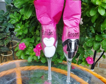 Toasting Glasses, Bride and Groom Champagne Flutes, Wedding Gift, Painted Toasting Glasses, Gifts for Bride and Groom