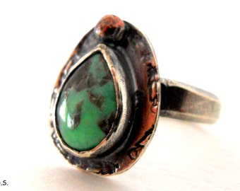 SALE - Handmade Southwestern Green Northern Lights Turquoise Nevada Feather Ring