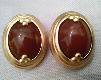 Vintage 90s signed Liz Claiborne Clip on Gold Toned Faux Amber Earrings