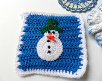 Vintage handmade crochet blue and white cream snowman doilies hotpads set of 3