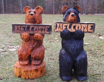 """24"""" Chainsaw Carved Bear Holding A Carved Welcome Sign"""