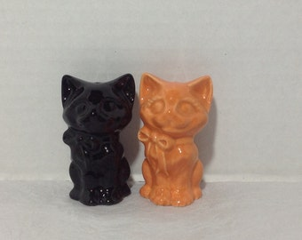 Ceramic Black and Orange Cat Salt & Pepper Shaker Set