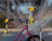 Petal Brite reflective daffodil bike streamers