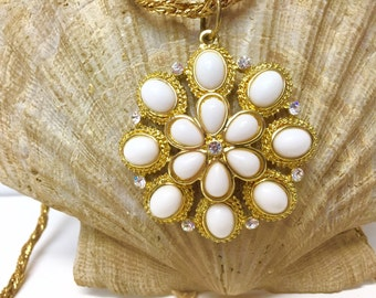 Lovely Gold Tone Necklace