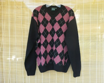 Vintage Man's 1980's V Neck Knitted Wool Golf Black And Pink Sweater Size XL