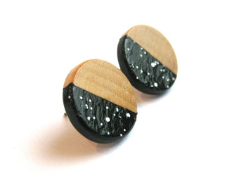 Wooden earrings with geometrical pattern in black and white, spotted