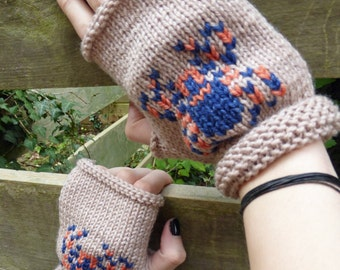 KNITTING PATTERN in PDF - Spooky Spider Fingerless Mitts for Halloween