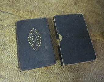 Evangelisches Gesangbuch  1915.  Wonderful 1915 Protestant Hymnal in German.  WW1 German Hymnal. Hardcover Gilt edged pages