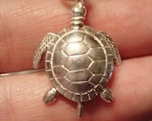 Cute 3D Sterling Sea Turtle Pendant / Charm  with moveable fins.