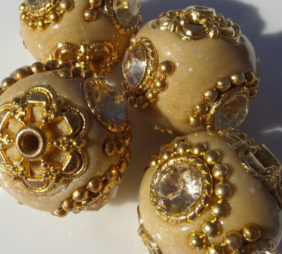 20mm Bead Beads: 20mm Indonesian Chunky Beads 4ctTaupe Bead With Rhinestone