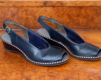 1940s Shoes // Navy Studded Peep Toe Sling Back Sandal Wedges
