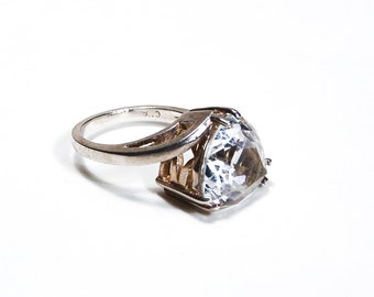 Cubic Zirconia CZ Trillion Cut Sterling Silver Ring Size 9
