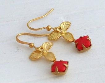 Red Gold Flower Earrings .. orchid earrings, gold earrings, vintage glass earrings, small earrings, dangle earrings