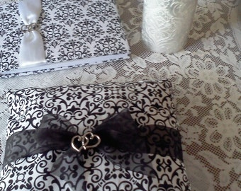 Black & white wedding ring pillow Donna Su Domichcreations etsy