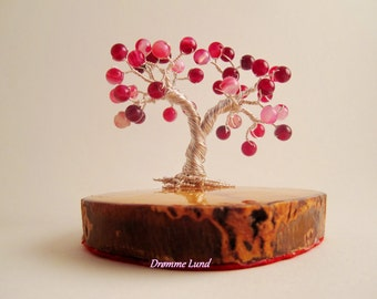 Striped Agate Tree of Life in Magenta (Gemstone Wire Tree Sculpture)