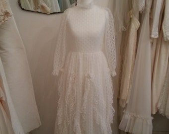 Rosie - Vintage Wedding Dress in Off White in Lace with Satin Flower Details