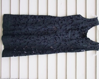 Vintage Blk Irish Linen Crochet applique dress ala 1950s MOYGASHEL