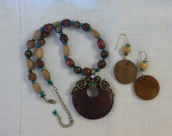 Vintage Necklace Set Turquoise Wood Metal Fillagree with Earrings Boho Rhinestone Accents