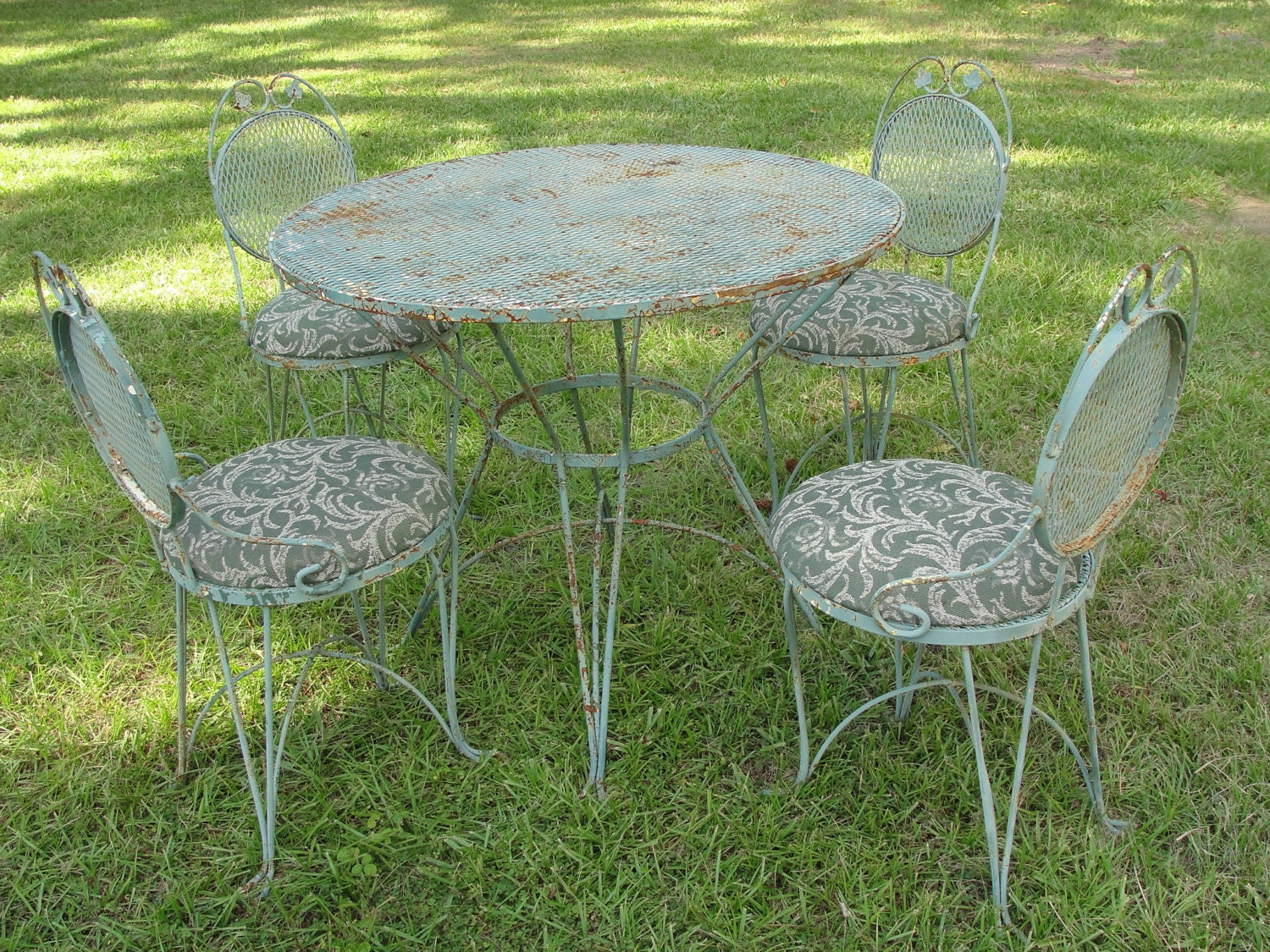 Vintage Wrought Iron & Mesh Patio Set Table w 4 Chairs Atomic – Haute Juice