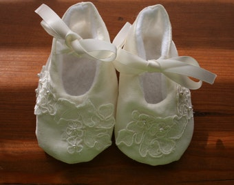 LINEN Baby Girl Ivory Linen Christening Shoes/Booties, Made to Order, Sizes Newborn to 18 mo, Baptism, Dedication, Easter, Special Occasion